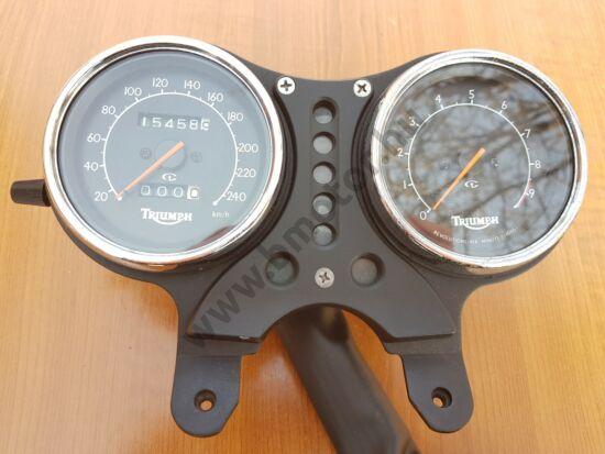 Triumph Thunderbird 900 Műszerfal